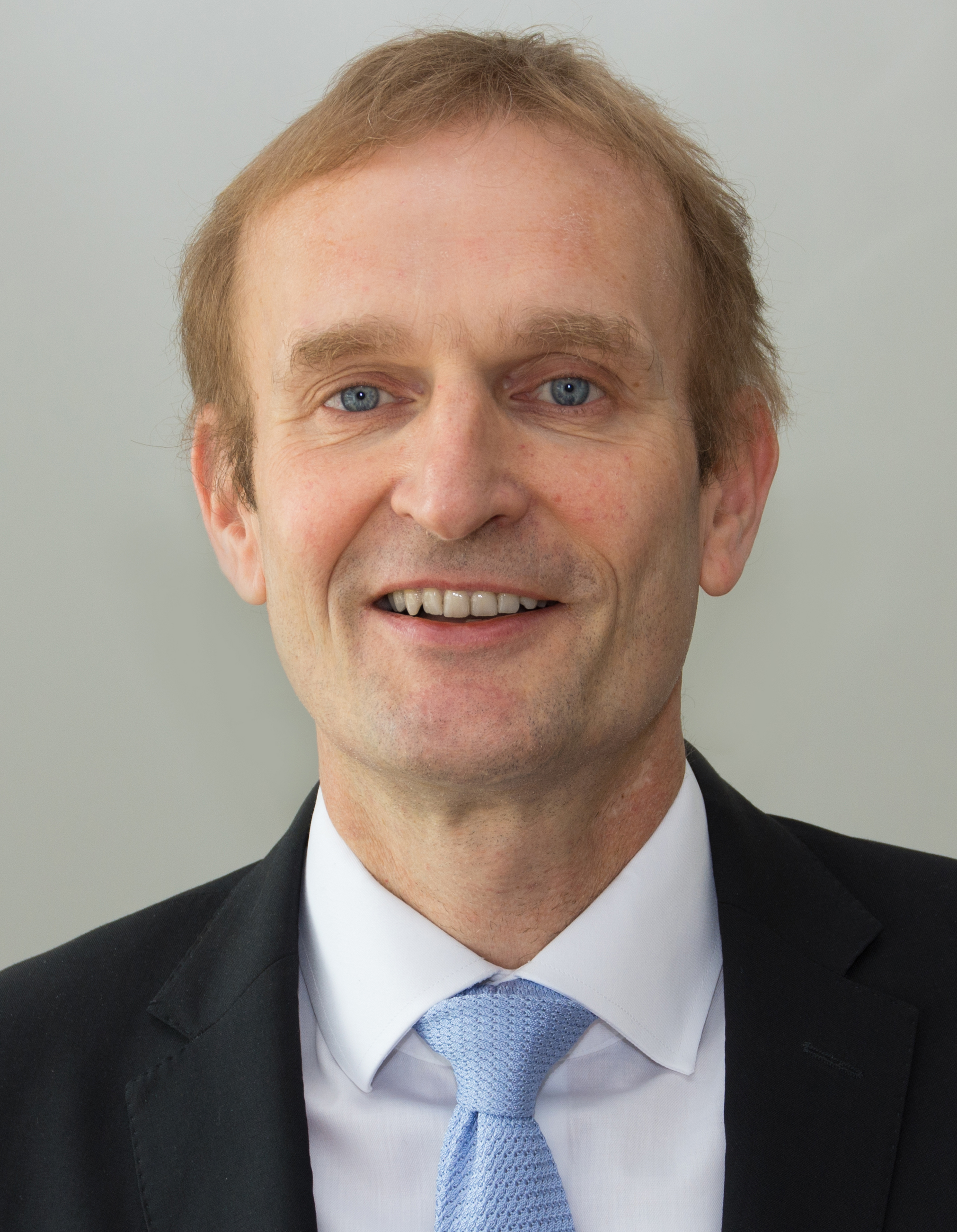 Dr. Henning Stumpp